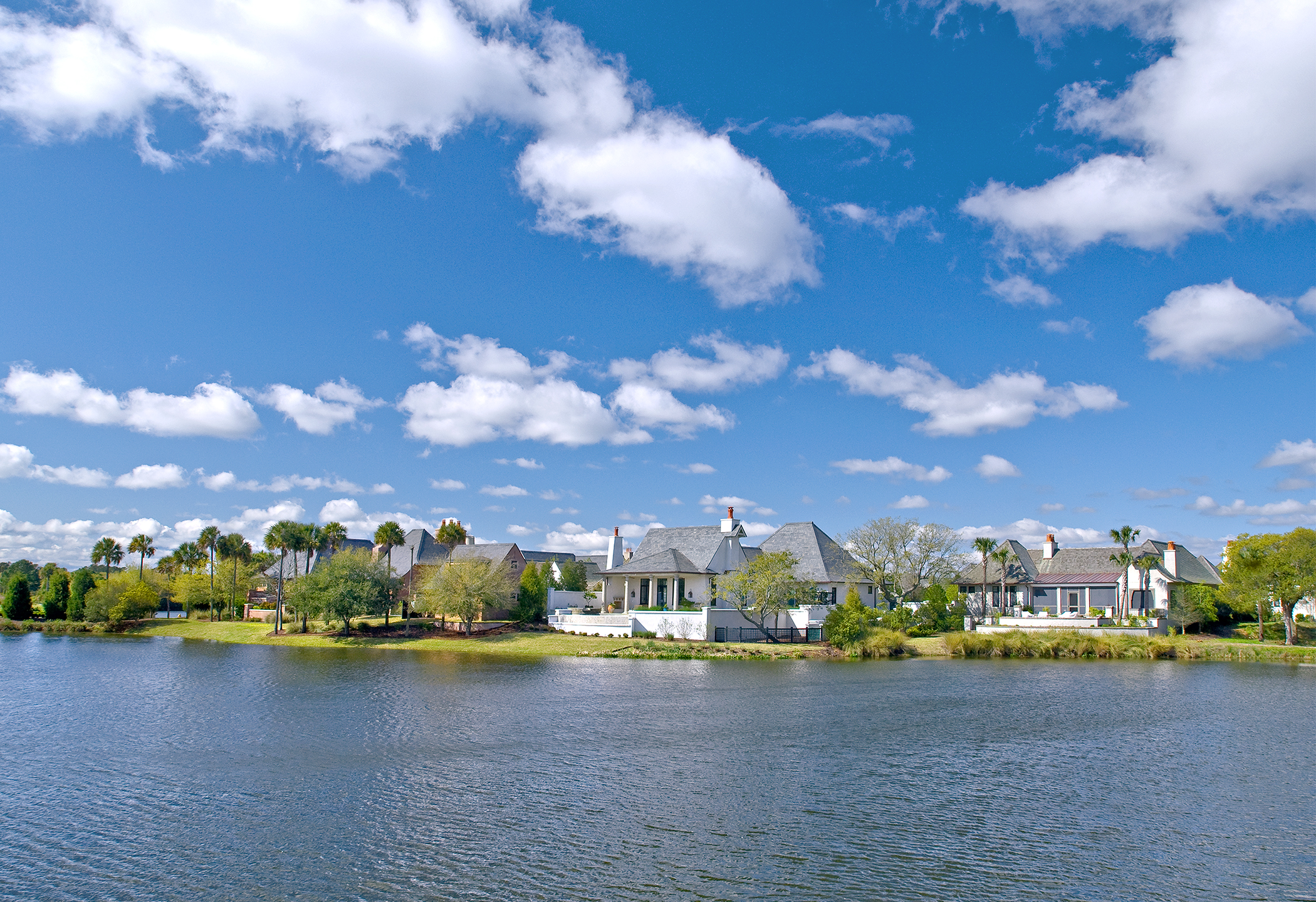 What's the difference between a cottage and a villa on Kiawah Island?