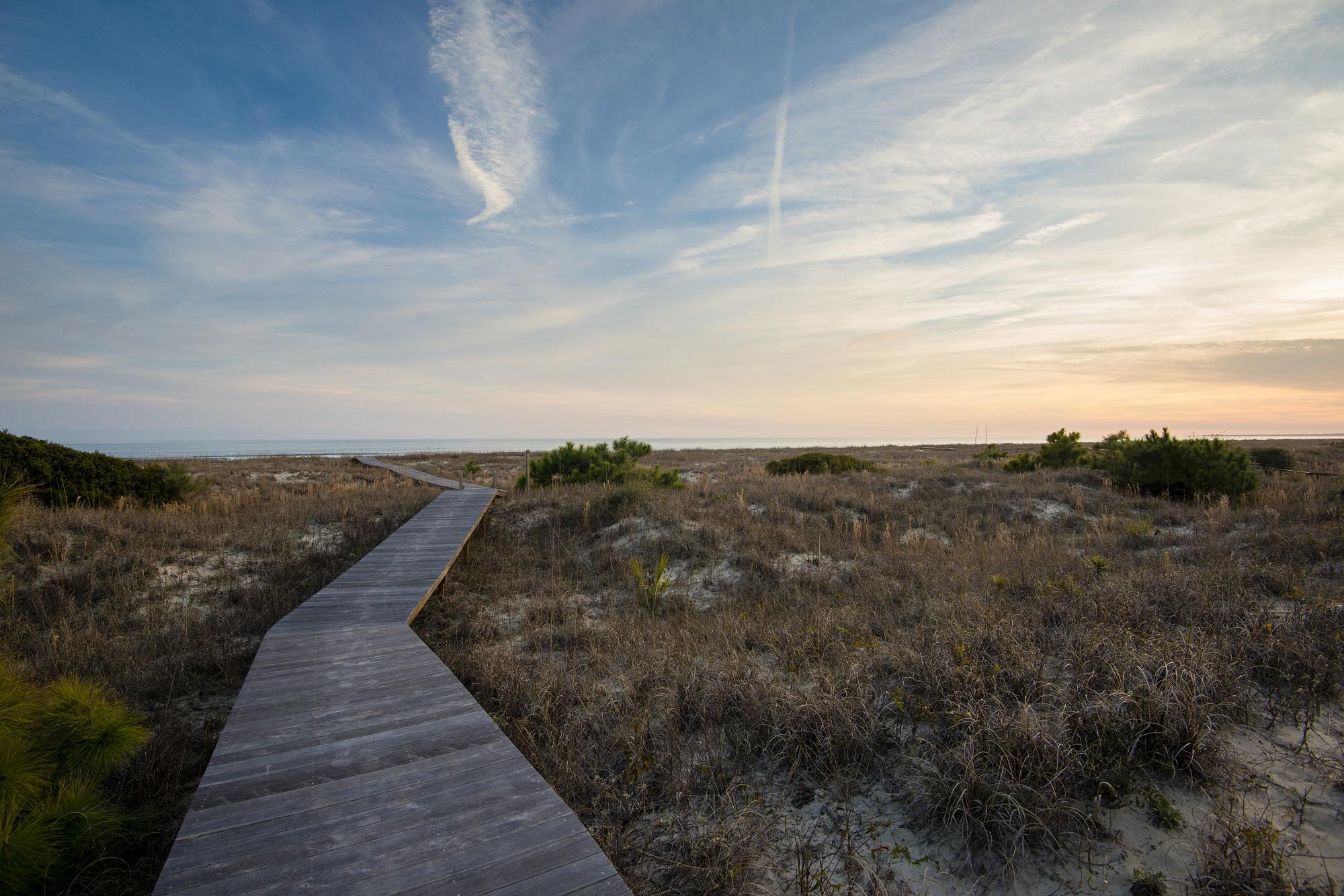 Vanderhorst Beach in Photos 1