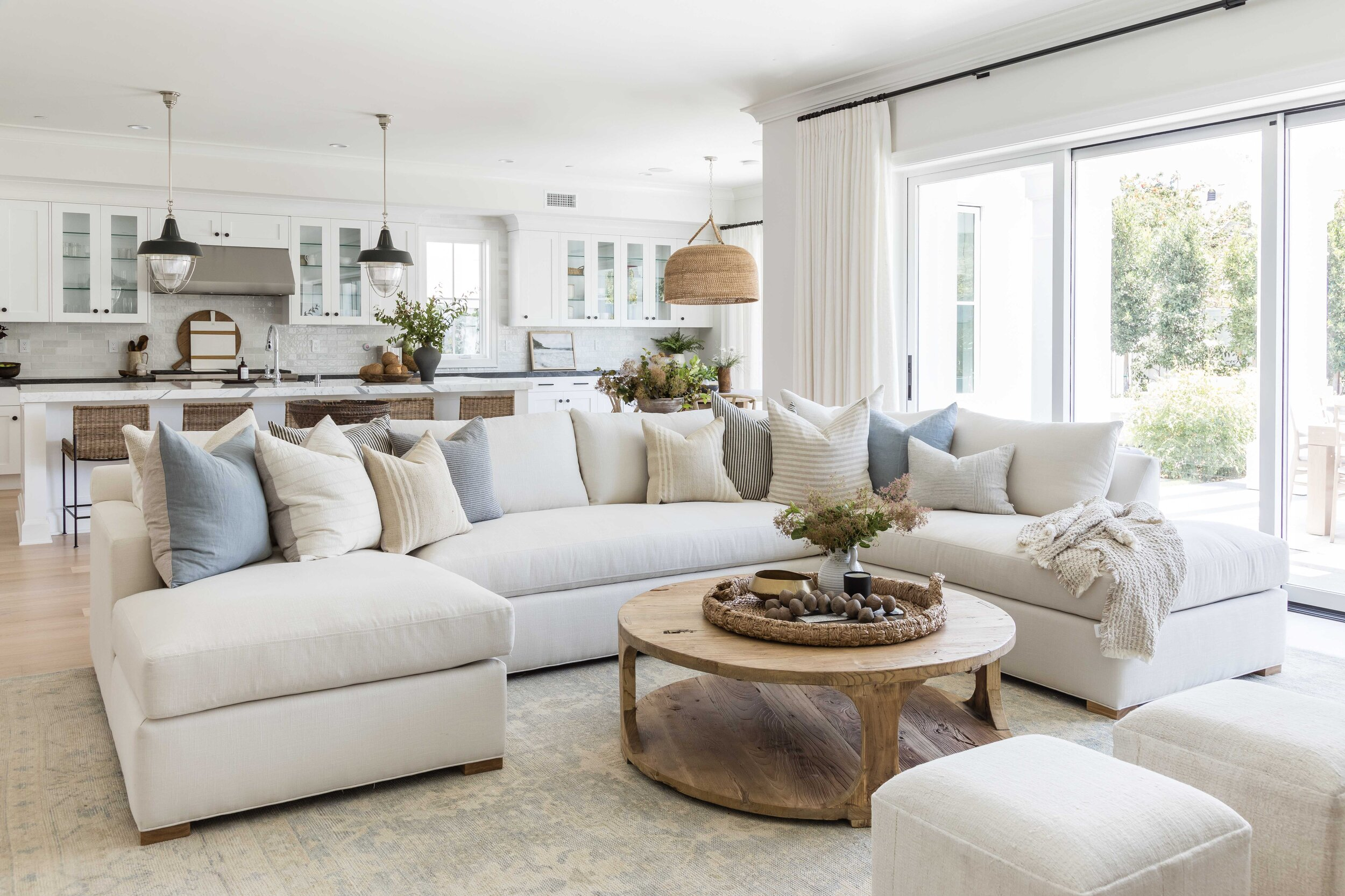 The Best Interior Design Color Palettes for Waterfront Homes
